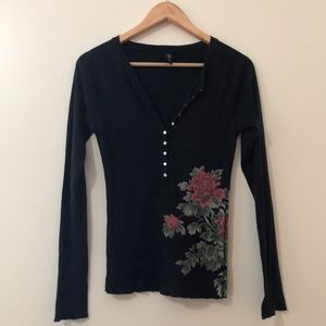 Lucky Black Top with Roses